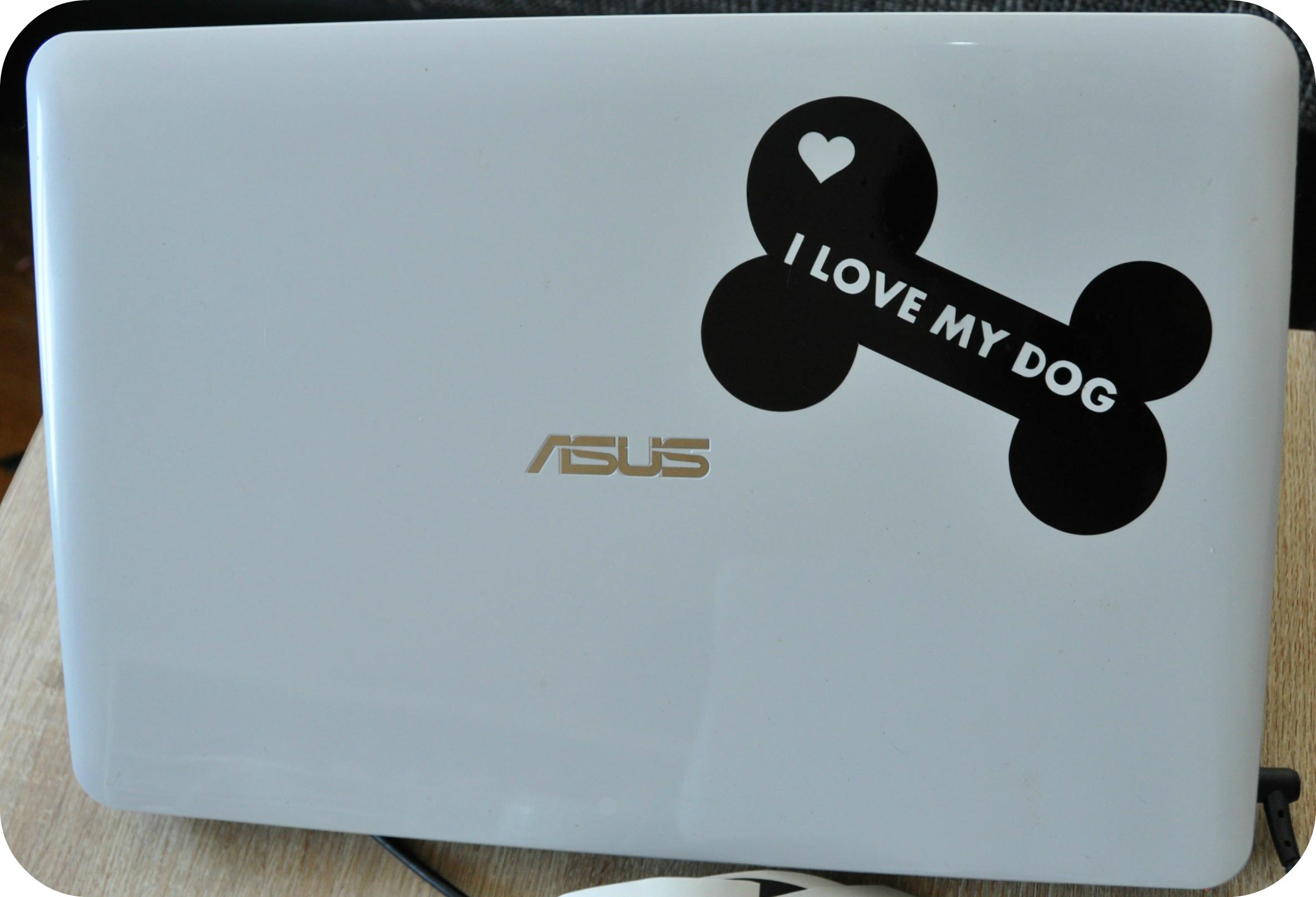 Hier seht ihr wie ich meinen Laptop verschönert habe ;-)
