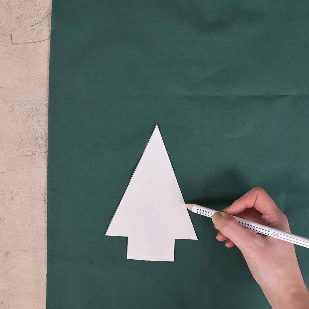Kostenloses Schnittmuster Tannenbaum in 4 Größen - www.zuckerundzimtdesign.com